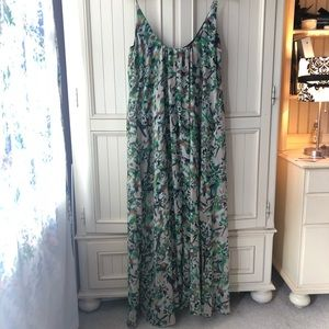 Forever 21 Contemporary Floral Maxi Dress M